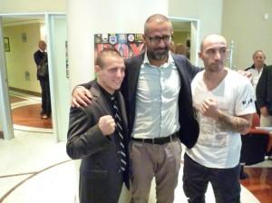Matteo Rossi e due giovani pugili