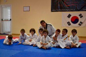Hwasong Taekwondo: Cavanna insieme ai bambini