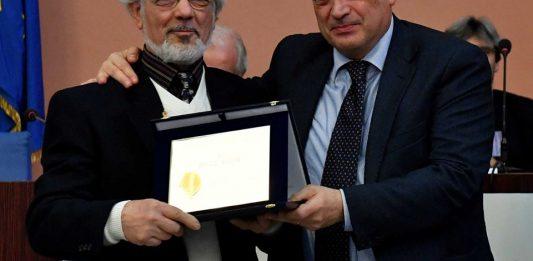 Il maestro Nasoni e il consigliere federale Buratti