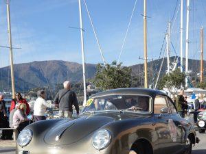 Alla Marina Genova lo spettacolo delle auto storiche: vince Arturo Bottaro su Porsche