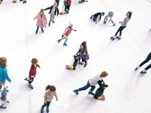 La pista di pattinaggio sul ghiaccio arriva a L'Aquilone