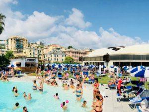 Il piano anti caldo della Piscina Aquacenter I Delfini Pra'