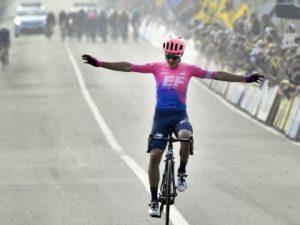 Alberto Bettiol è l'eroe del Giro delle Fiandre