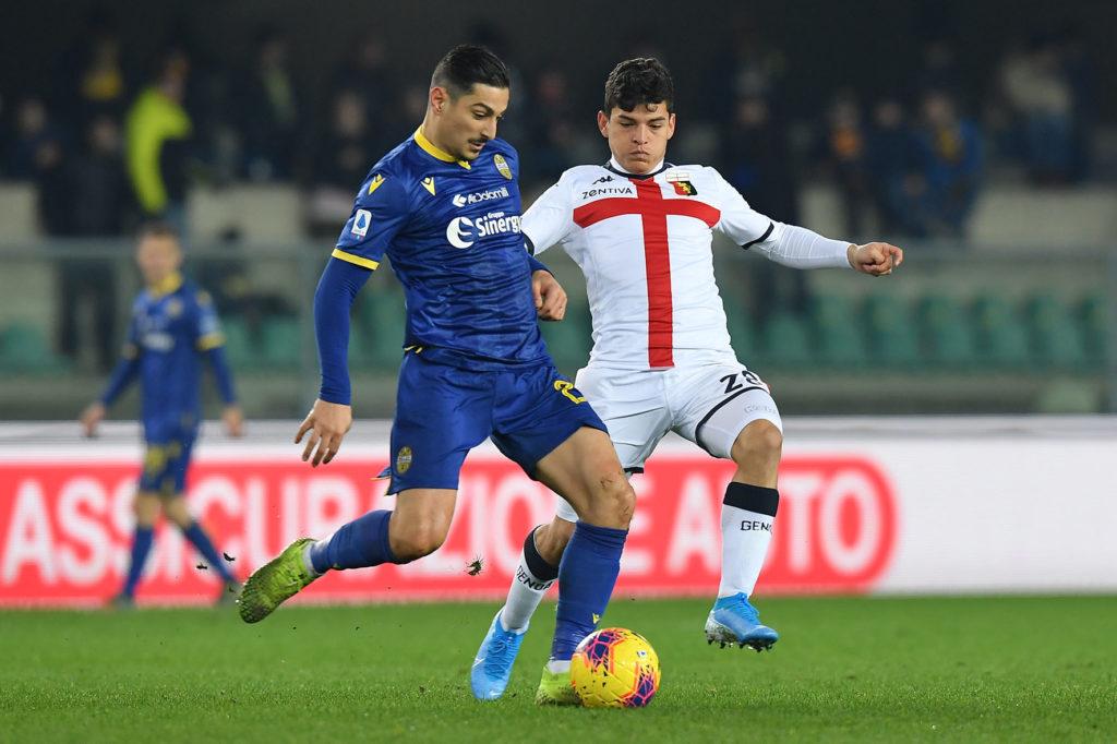 Koray Gunter in azione contro il Genoa