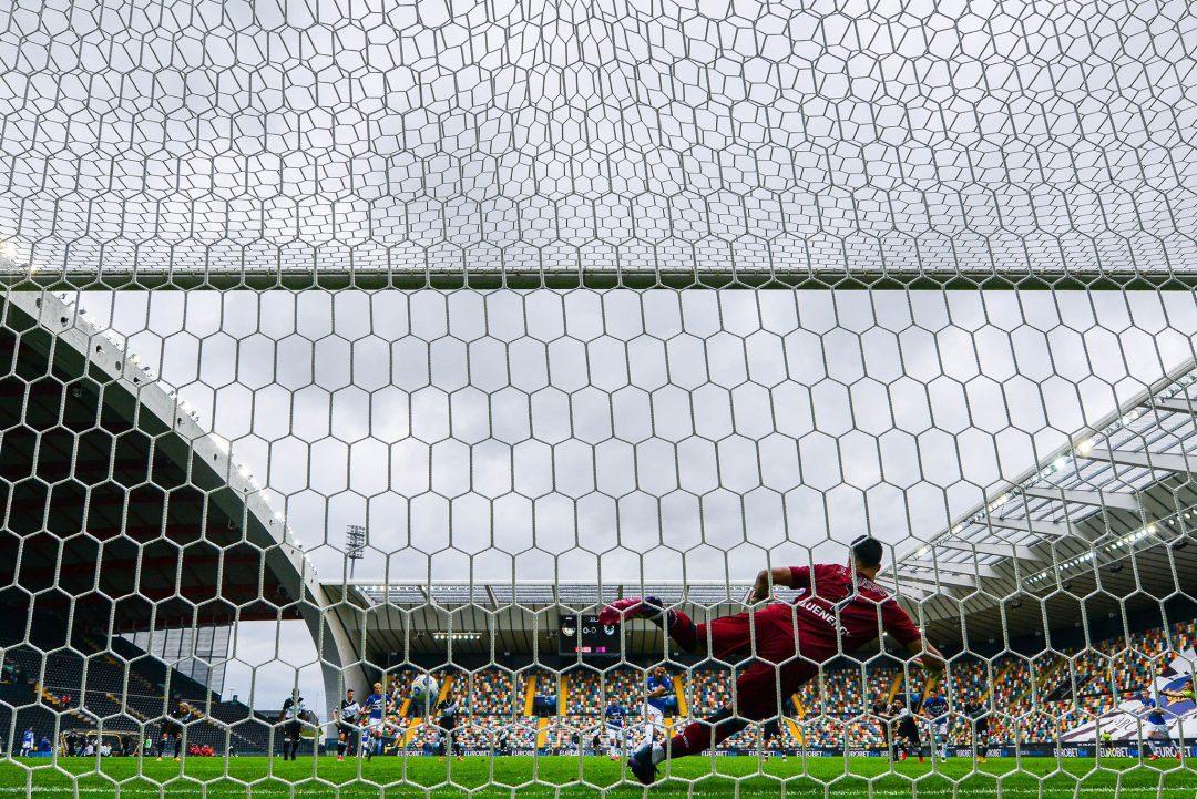 Una Sampdoria attenta e disciplinata batte nel finale l'Udinese