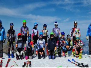 Squadra children e giovani in allenamento a Les Deux Alpes
