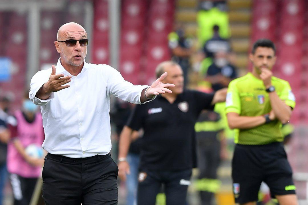 Il Genoa concede alla Salernitana la prima vittoria in campionato